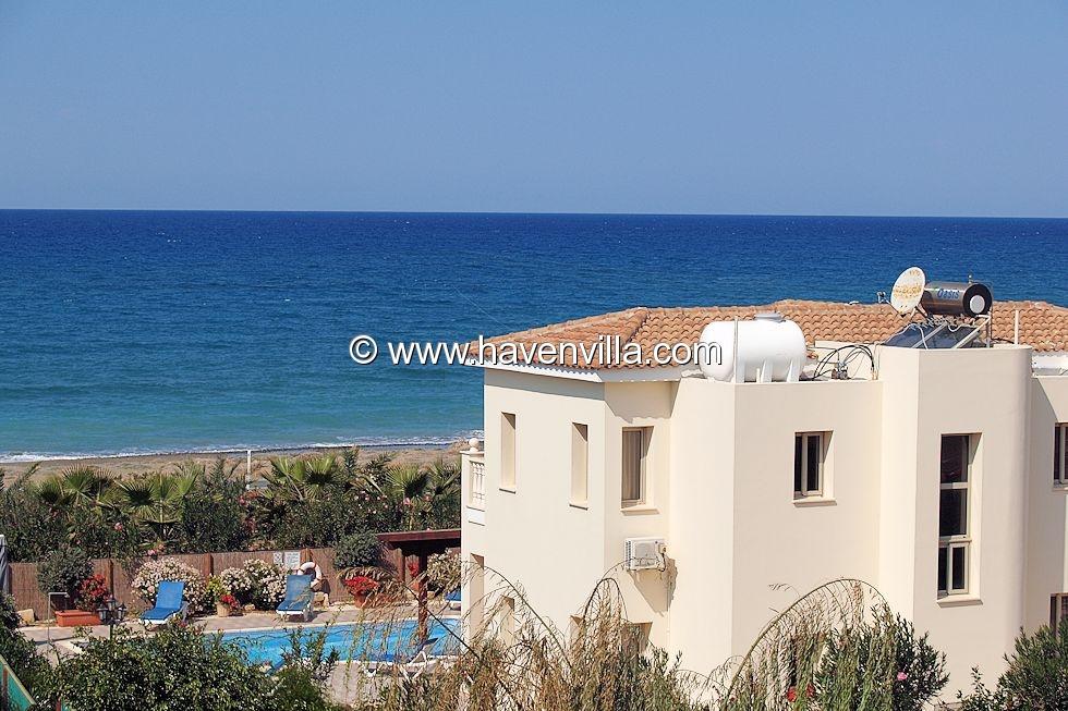 Argaka Sea front villa