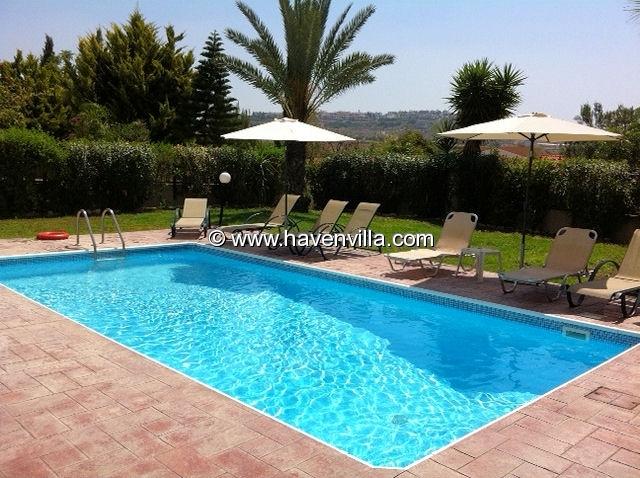 Paphos holiday villa 372