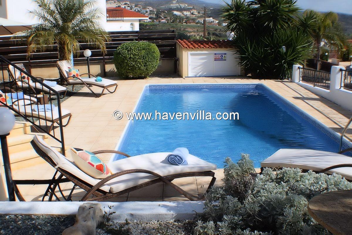 Holiday Villa 373 in Coral Bay centre