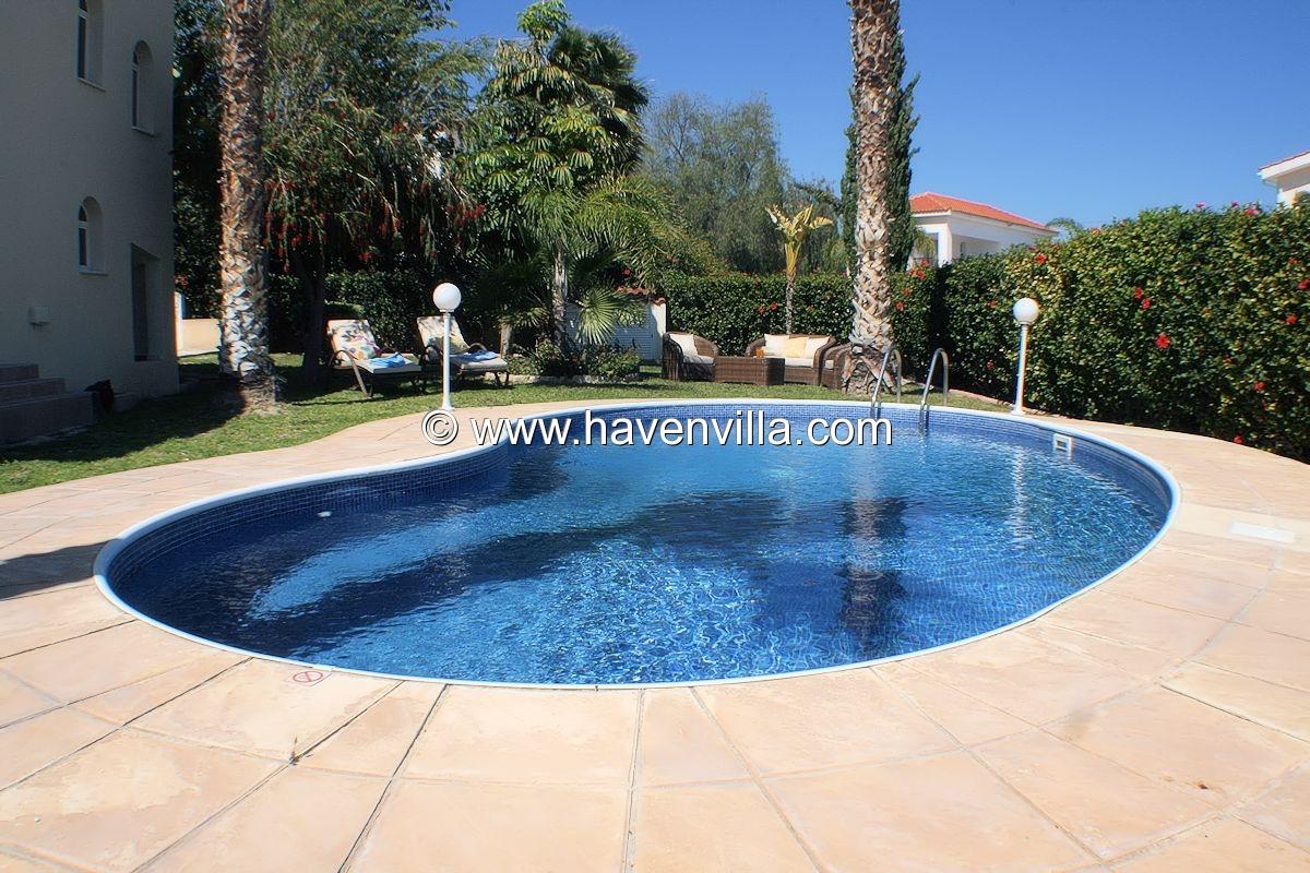 Coral Bay villa 389