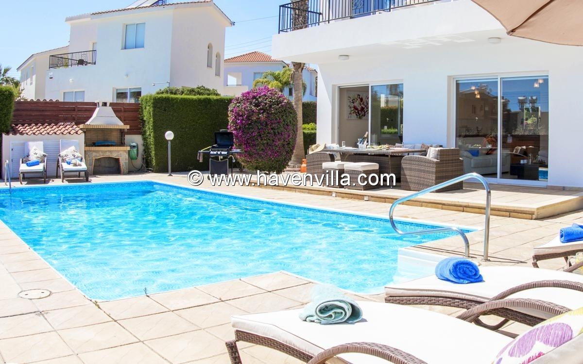 Holiday villa 394
