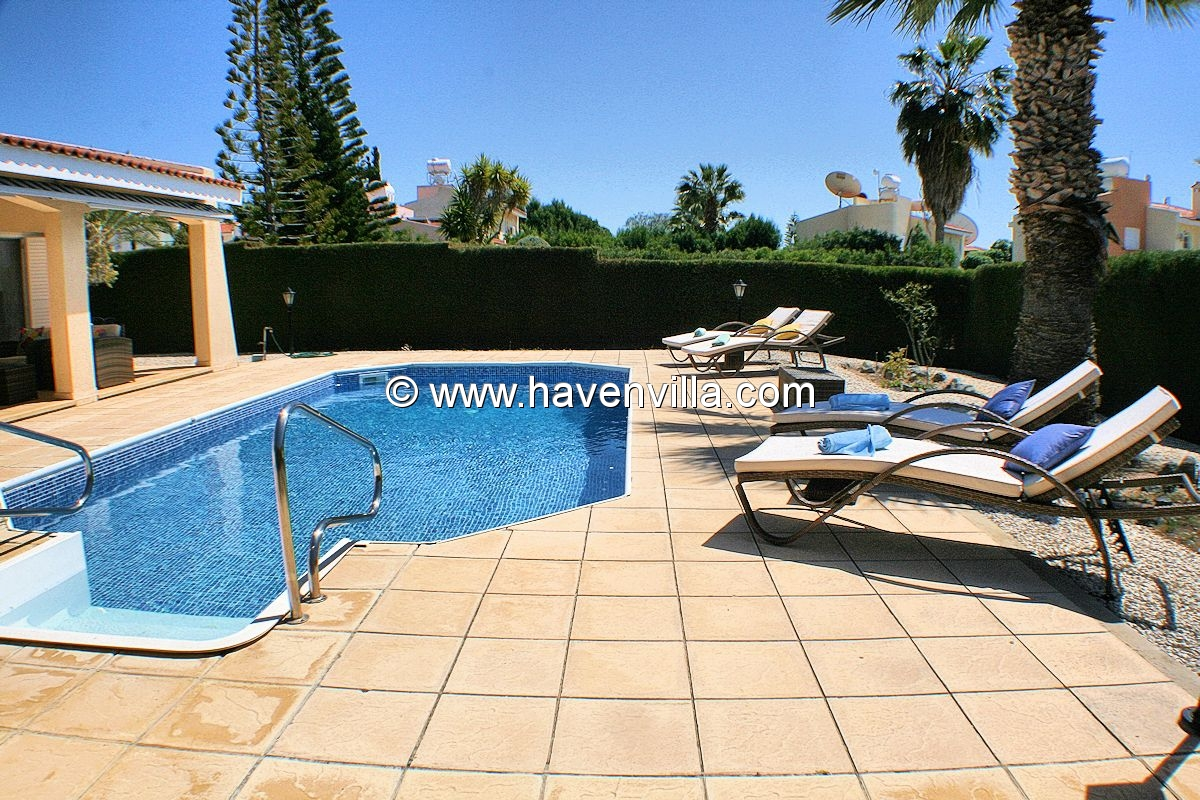 Holiday Villa 399